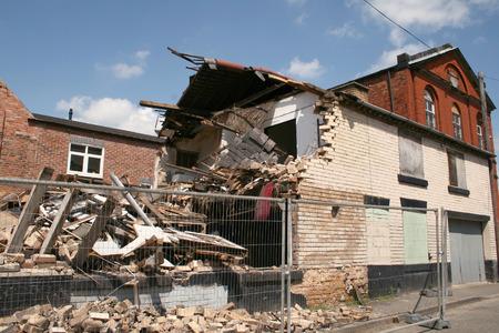 effondrement: restes d'un b�timent qui s'est effondr�  Banque d'images