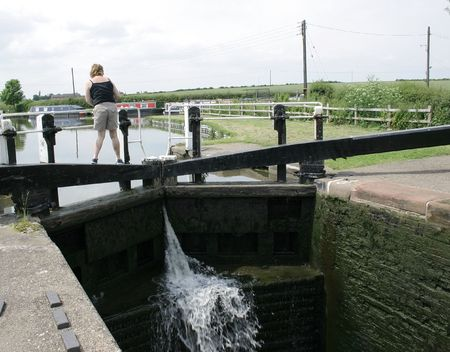 seeps: canal lock gates showing the water as it seeps into the lock Stock Photo