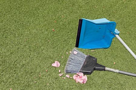 ciclo de vida: Niza para la limpieza del jardín o el concepto de ciclo de vida.