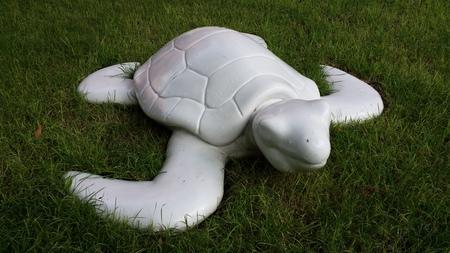 hydroxide: White sea turtle statue at Las Tortugas, Hua-Hin 101