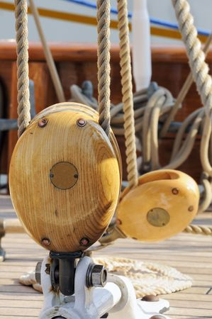 Sailing pulleys and ropens of an ancient sailboat