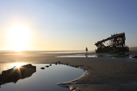 oregon coast: Wreck of the Peter Iredale on the Oregon Coast Stock Photo