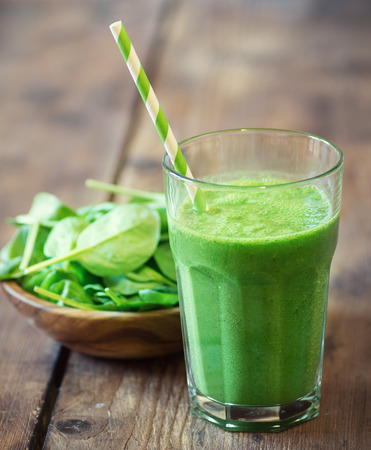 Spinach smoothie Standard-Bild