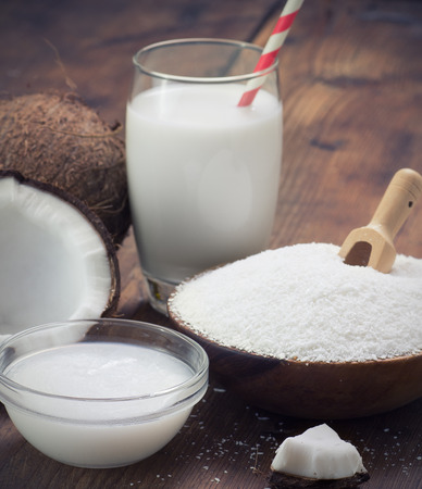 grounded: coconut oil, grounded coconut flakes and coconut milk