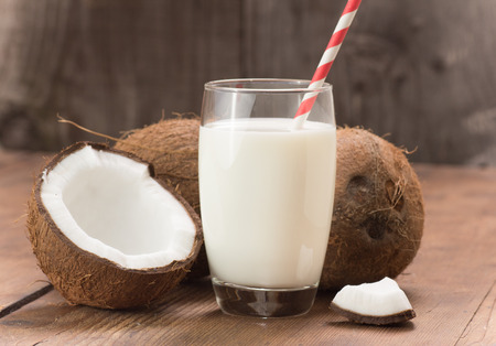 ココナッツ ミルク 写真素材