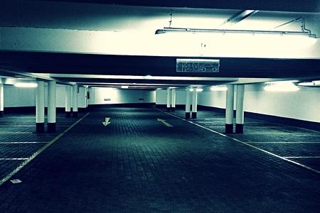 Retro parking garage Standard-Bild