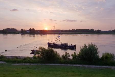 An idyll view of a river during sunset Standard-Bild - 102401418