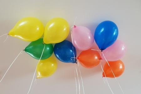 Flying balloons Standard-Bild - 116295861