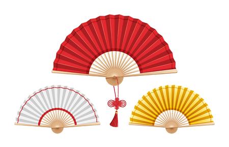 Conjunto de tres ventiladores chinos aislado sobre fondo blanco. Gran abanico rojo con un nudo de deseos en el centro. Pequeños blancos y dorados en los laterales. Ilustración de vector