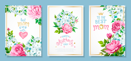 Buona festa della mamma. Set di tre modelli di lusso con fiori che sbocciano di phlox azzurro, rose rosa, boccioli, foglie verdi, scritte disegnate a mano per BEST MOM in cornice dorata. Sfondi primaverili