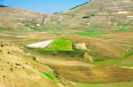 castelluccio di norcia: Pian di Castelluccio di Norcia, wonderful plateau in the natural park of Monti Sibillini, Umbria
