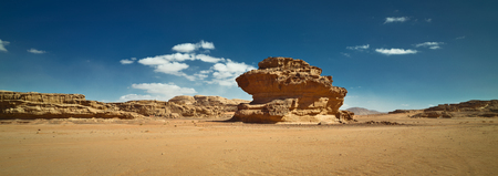 Nature and rocks of Wadi Rum or Valley of the Moon, Sphinx rock, desert, Jordan. Stockfoto - 120275474