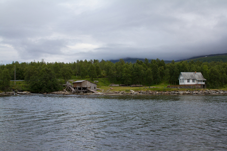 fishing cabin: A scenic photo of old norwegian traditional fishing factory