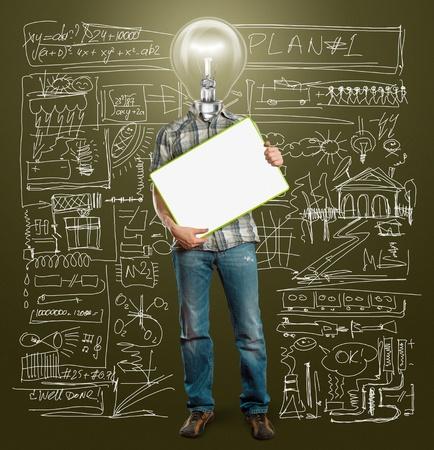 pensamiento creativo: empresario cabeza l�mpara celebrar Junta de escritura vac�a en sus manos