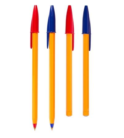 ball pens stationery: Pluma aislada en el fondo blanco, de diferentes colores
