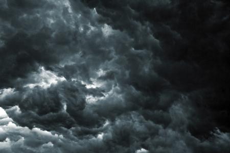 cielo tormenta: Hermoso cielo de tormenta con las nubes, al igual que el apocalipsis