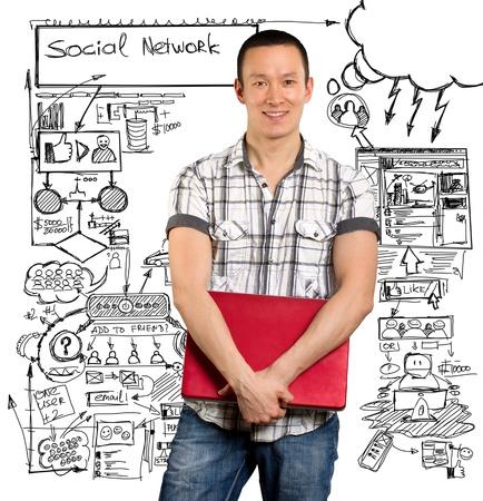 社会的ネットワークのアイデアの概念、彼の手で、カメラを探しているラップトップを持つ男