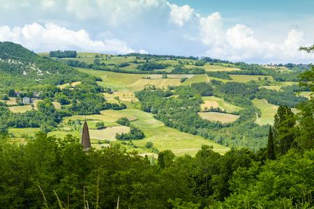piacenza: Rolling Hills de las monta�as de los Apeninos, Piacenza, Italia.