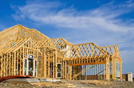 新しい家の建設のフレーミング 写真素材 - 16425688