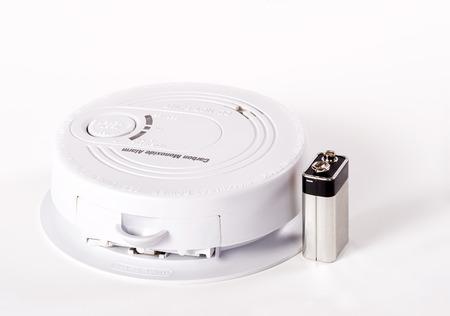 Carbon monoxide alarm with battery