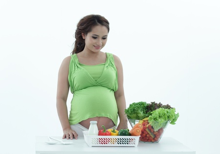 belly pepper: Pregnant women are the salad bowl.