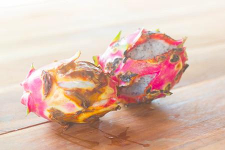 rot: rot dragonfruit, ugly fruit