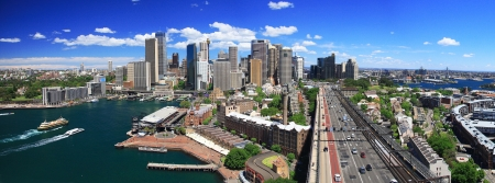 SYDNEY, AUSTRALIA-OCTOBER 2009   Opera house is the landmark of Sydney city and Australia locate in Sydney harbour