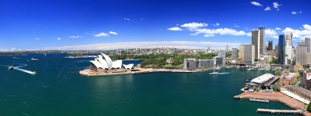 SYDNEY, AUSTRALIA-outubro 2009 Opera House � o marco da cidade de Sydney e da Austr�lia Localize no porto de Sydney Editorial