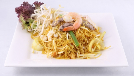 Sigapore noodles stir fried with vermicelli noodles   photo