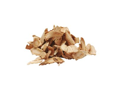 ginseng: Dang gui (the dried root of the Angelica Sinesis) is used all over the world to promote better health. A simple infusion of dang gui has been said to build up the immune system and ward off many common ailments. The taste is similar to ginseng.