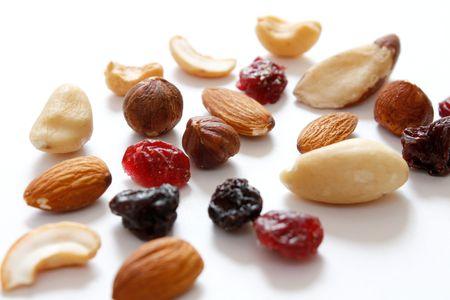 frutas deshidratadas: Frutas y frutos secos mezclan en una healht forma