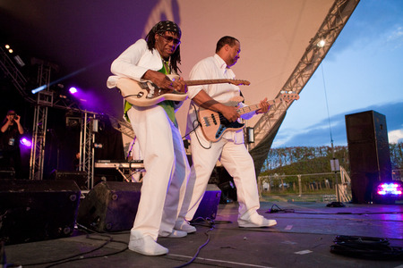Chic  Nile Rodgers  live at Lounge on the Farm