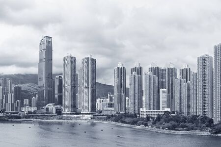 Panorama of harbor and skyline of Hong Kong city Banque d'images