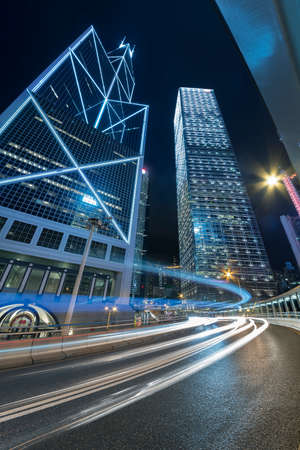 traffic in central district of Hong Kong city at night 스톡 콘텐츠