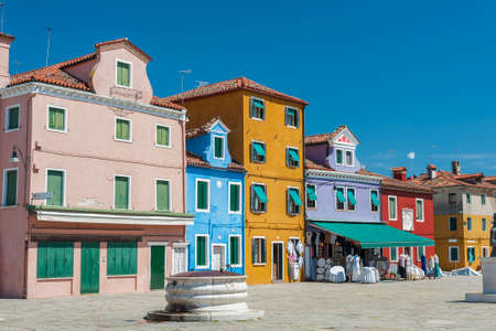 Exterior of colorful residential house in Burano island, Venice, Italy 版權商用圖片