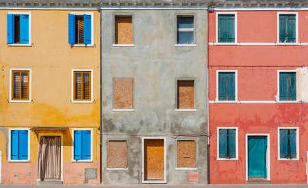 Exterior of colorful building on Burano island, Venice, Italy 版權商用圖片