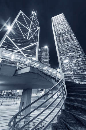 High rise office buildings in Central district of Hong Kong city at night 版權商用圖片