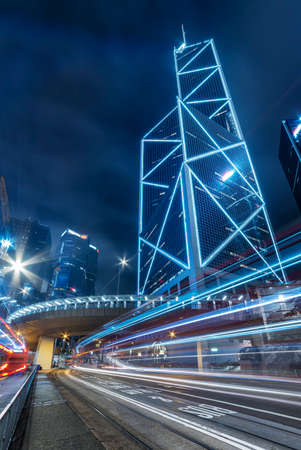 Traffic in downtown district of Hong Kong city at night 版權商用圖片