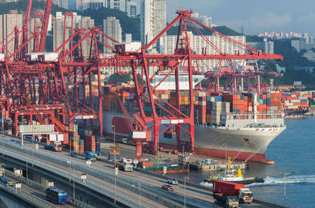 Cargo Port and Highway in Hong Kong 版權商用圖片