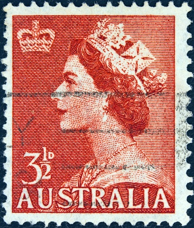 queen elizabeth ii: AUSTRALIA - CIRCA 1953  A stamp printed in Australia showing a portrait of Queen Elizabeth II, circa 1953   Editorial