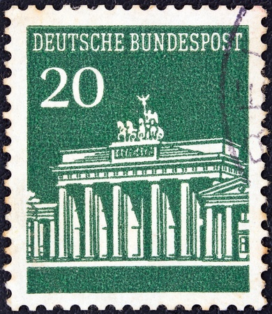 bundespost: GERMANY - CIRCA 1966  A stamp printed in Germany showing Brandenburg Gate, Berlin, circa 1966