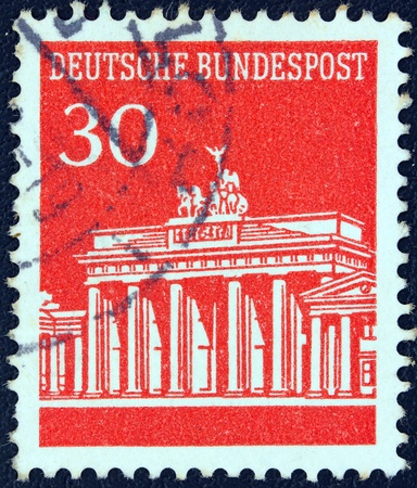 bundes: GERMANY - CIRCA 1966  A stamp printed in Germany showing Brandenburg Gate, Berlin, circa 1966