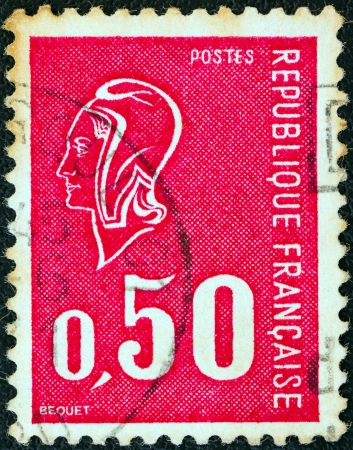 estampilla: FRANCE - CIRCA 1971: A stamp printed in France shows Marianne type Bequet, circa 1971.