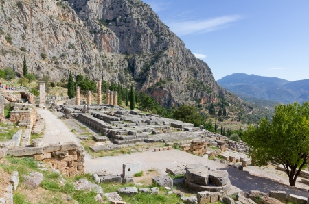 delfi: Ruins of Apollo temple, Delphi, Greece