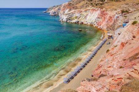 カラフルなビーチの Paleochori、ミロス島キクラデス諸島, ギリシャ