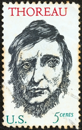 estampilla: USA - CIRCA 1967: A stamp printed in USA issued for the 150th birth anniversary of writer Henry David Thoreau shows Henry David Thoreau, circa 1967.