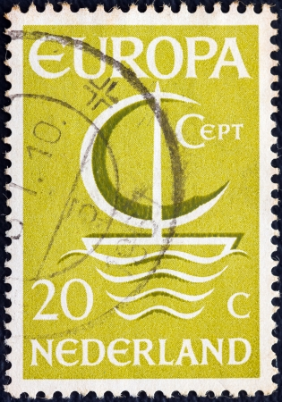 stempeln: NETHERLANDS - CIRCA 1966: A stamp printed in the Netherlands from the Europa issue shows Europa ship, circa 1966.