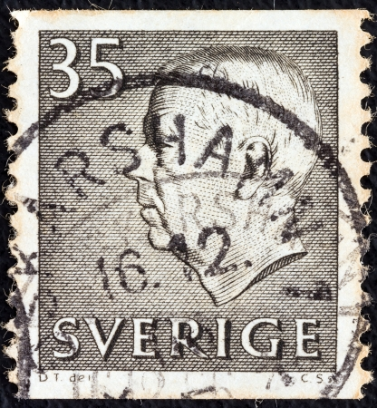 SWEDEN - CIRCA 1951: A stamp printed in Sweden shows King Gustaf VI Adolf, circa 1951.  Stock Photo - 17063036