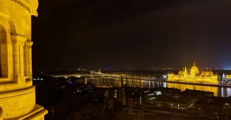 halaszbastya: Panoramic night view of Budapest from Fisherman s Bastion