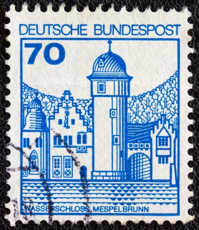 bundespost: GERMANY - CIRCA 1977: A stamp printed in Germany from the Strongholds and castles issue shows Mespelbrunn castle, circa 1977.  Editorial